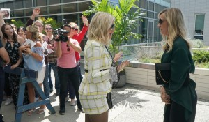 Tori and Jennie talk outside the courthouse on BH90210
