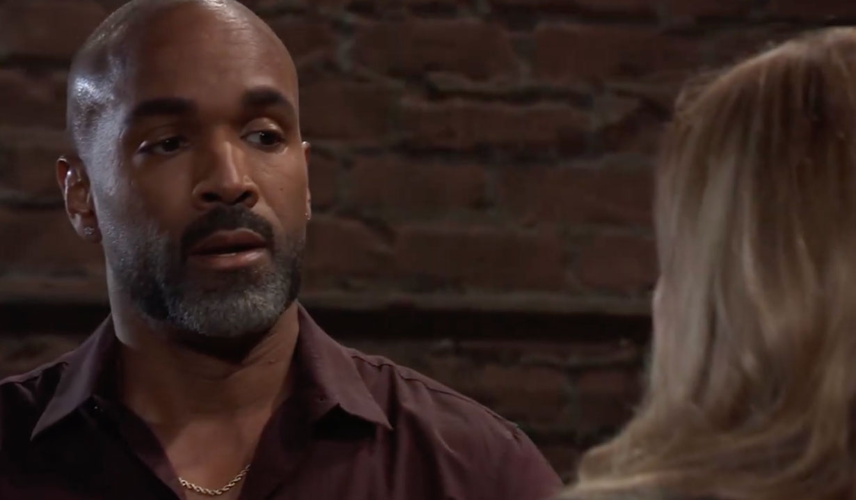 Laura advises Curtis on General Hospital