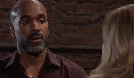 Laura advises Curtis on General Hospital