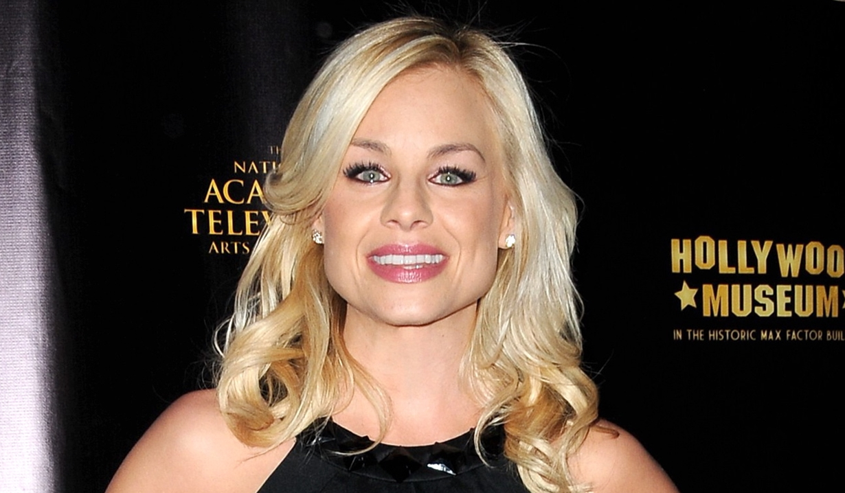 Jessica Collins returns to Its Always Sunny in Philadelphia Young and Restless
