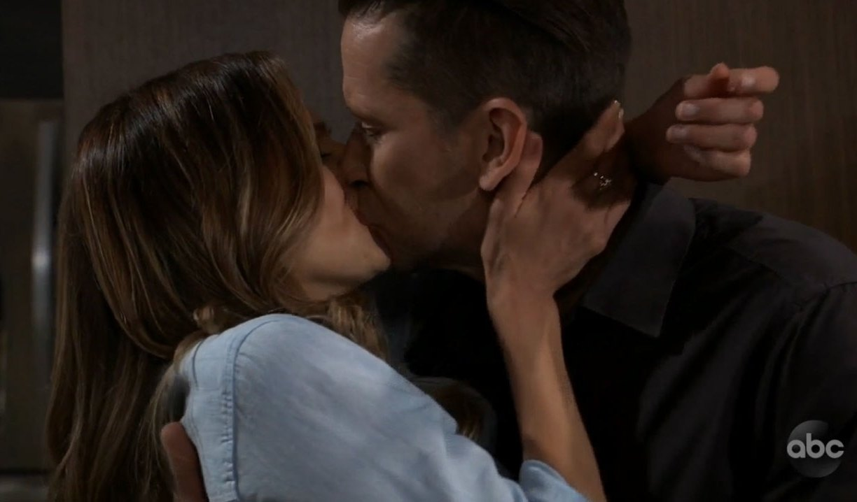 Franco and Kim kiss on General Hospital