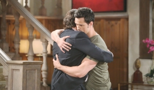 Ridge e Thomas abbracciano Bold and Beautiful