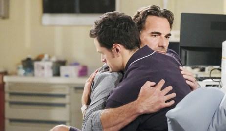 Ridge hugs Thomas Bold and Beautiful
