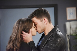 cin kissing hospital days of our lives