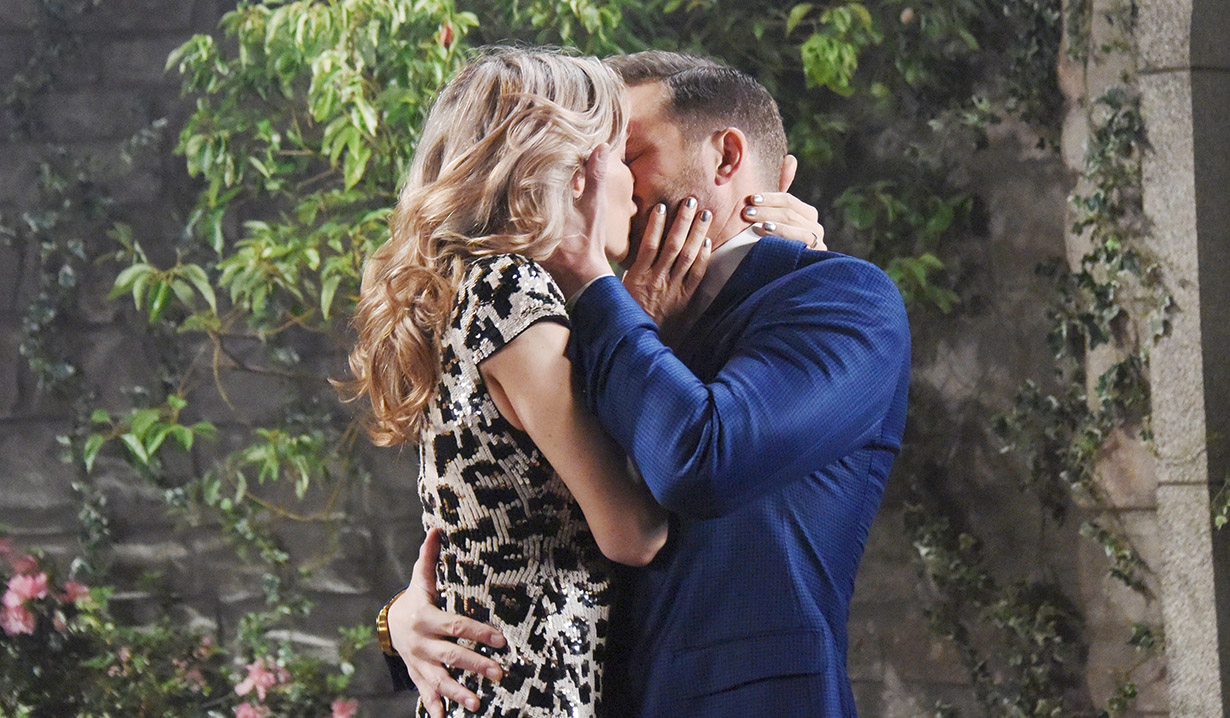 kristen kissing brady days of our lives