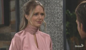 Abby warns Theo to stay away from Lola The Young and the Restless