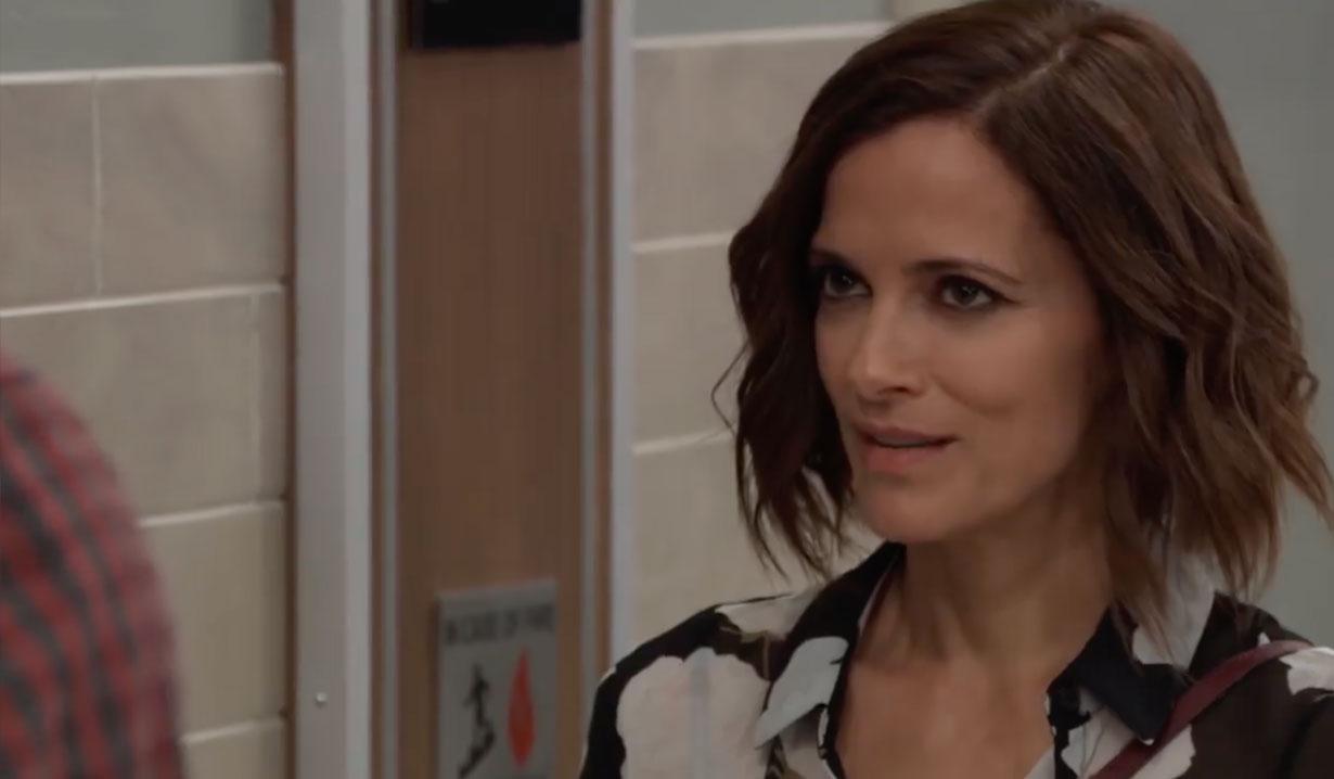 Hayden talks with Curtis on General Hospital