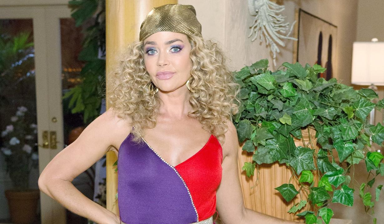shauna costume