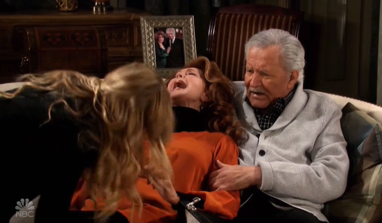 claie stabs maggie halloween on days of our lives