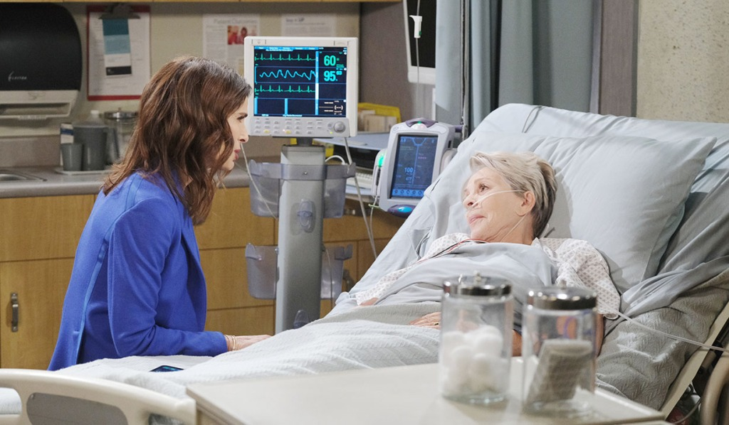 Julie Is Shocked to Learn Gabi Donated Stefan's Heart to Her