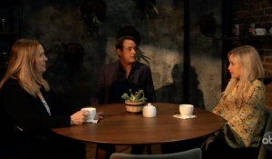 Laura, Kevin and Lulu meet for coffee on General Hospital