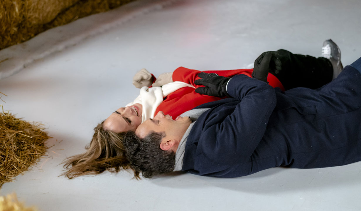 Nikki DeLoach, Michael Rady fall on ice in Hallmark's Two Turtle Doves