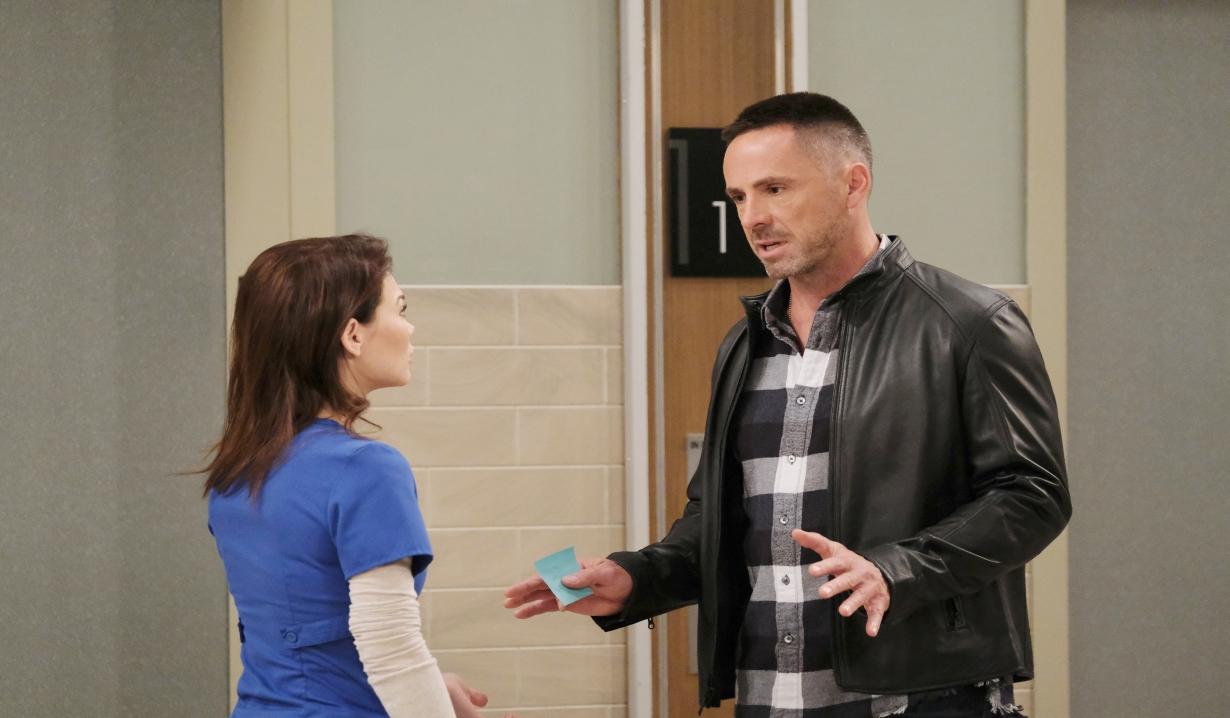 Julian runs into Liz General Hospital
