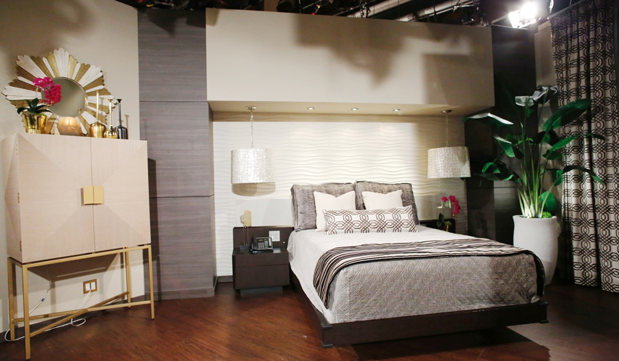 Abby suite bed front view Young and Restless