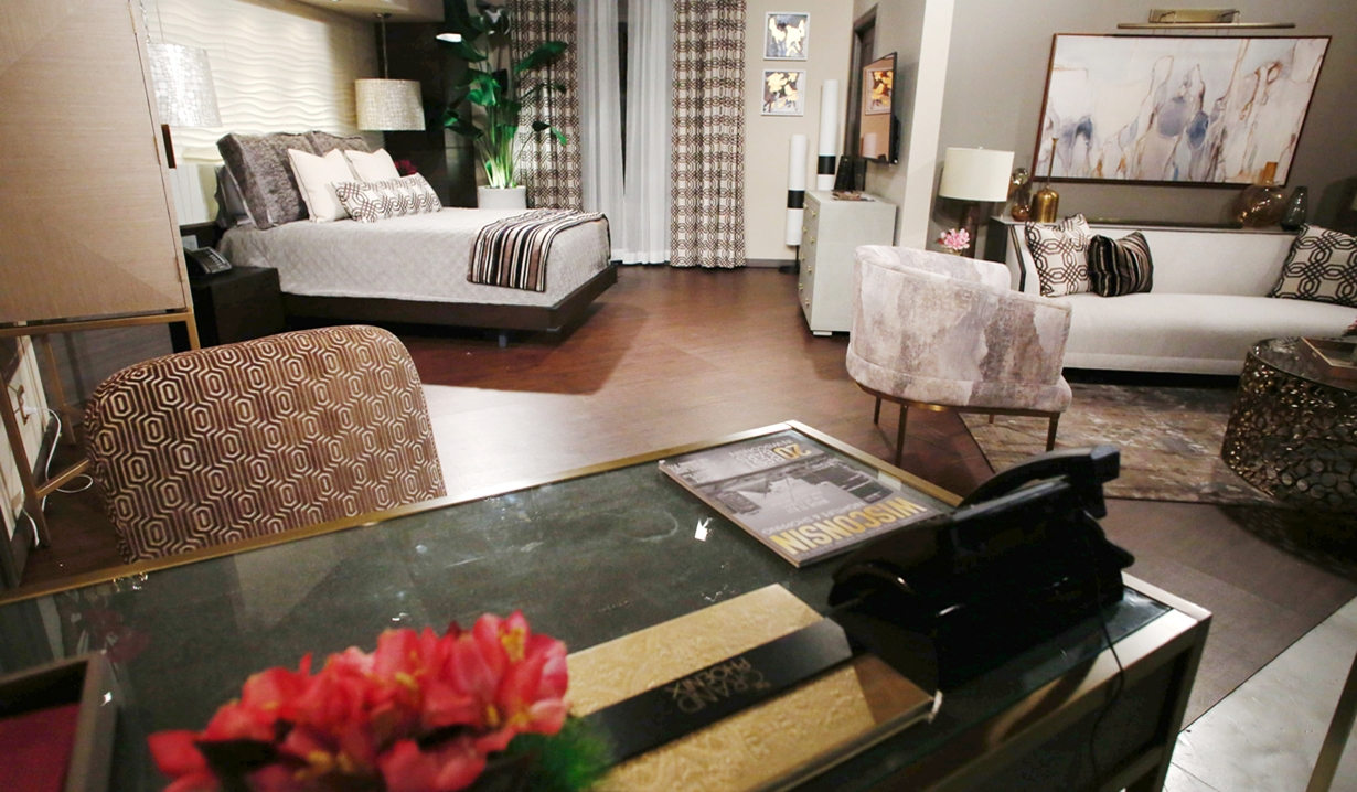 Abby suite desk view Young and Restless