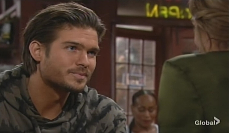 Theo tells Summer about job offer Young and Restless
