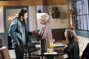 jj and julie hold hands days of our lives
