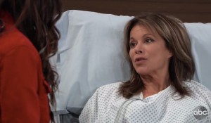 Kendra visits Alexis at the hospital on General Hospital