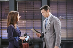 xander gives Fake Hope confession days of our lives