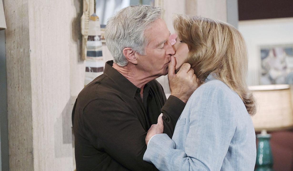 doc kisses john days of our lives