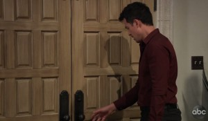 Nikolas is tempted to reveal himself to Laura on General Hospital