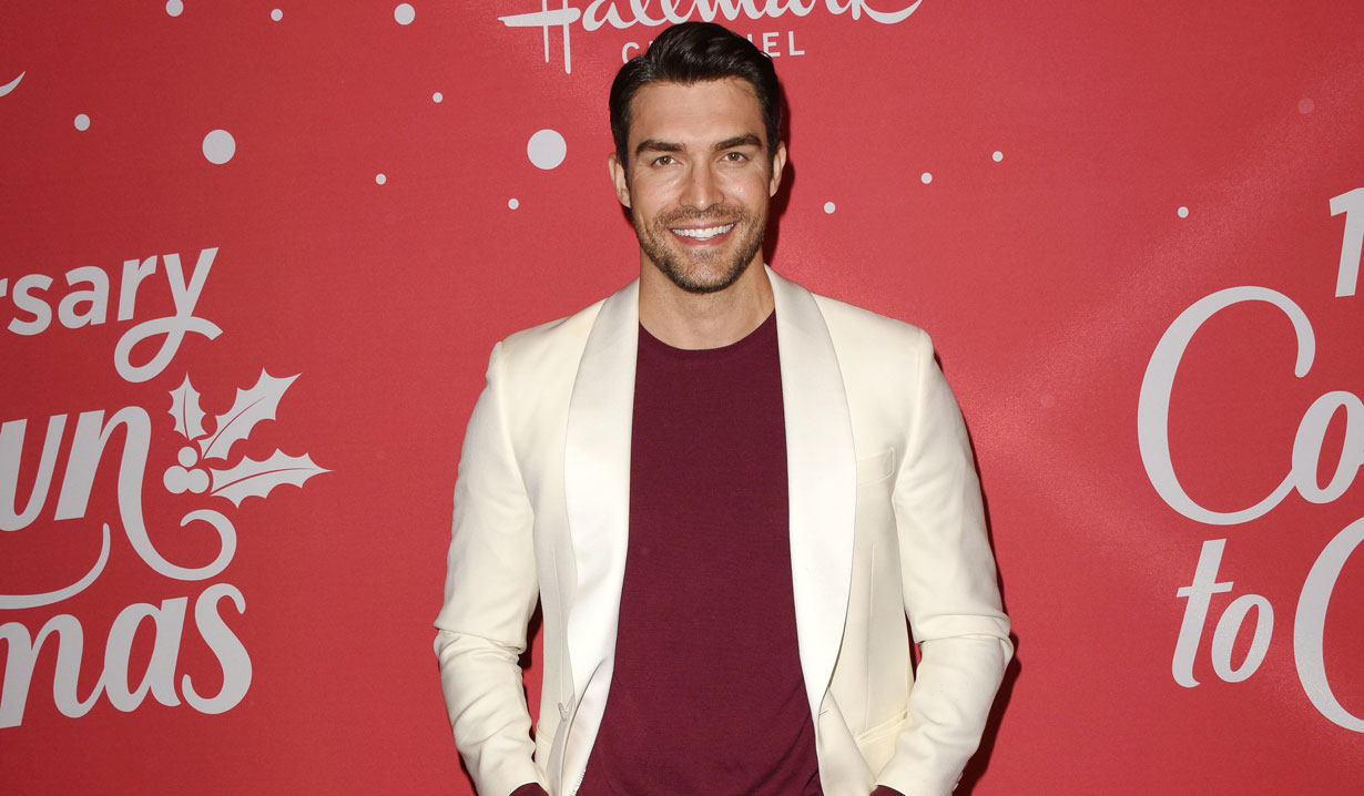 young and restless alum peter porte hallmark's countdown to christmas event
