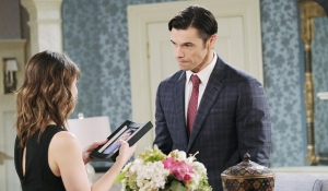 xander gifts sarah picture days of our lives