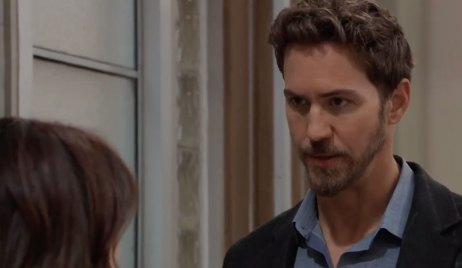 Peter explains the shooting to Liz on General Hospital