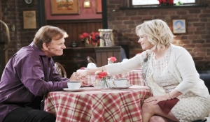 Roman and Kayla talk at the pub Days of our Lives