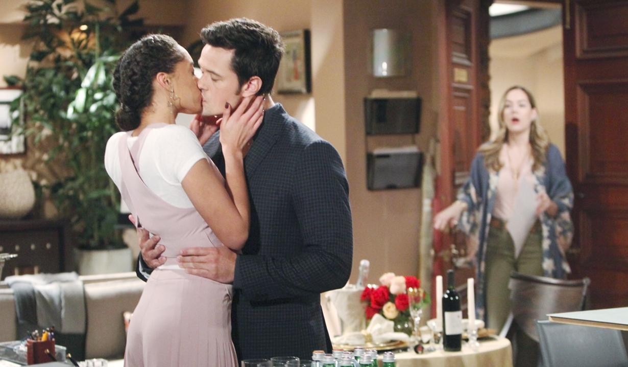 Thomas kisses Zoe shocked Hope Bold and Beautiful