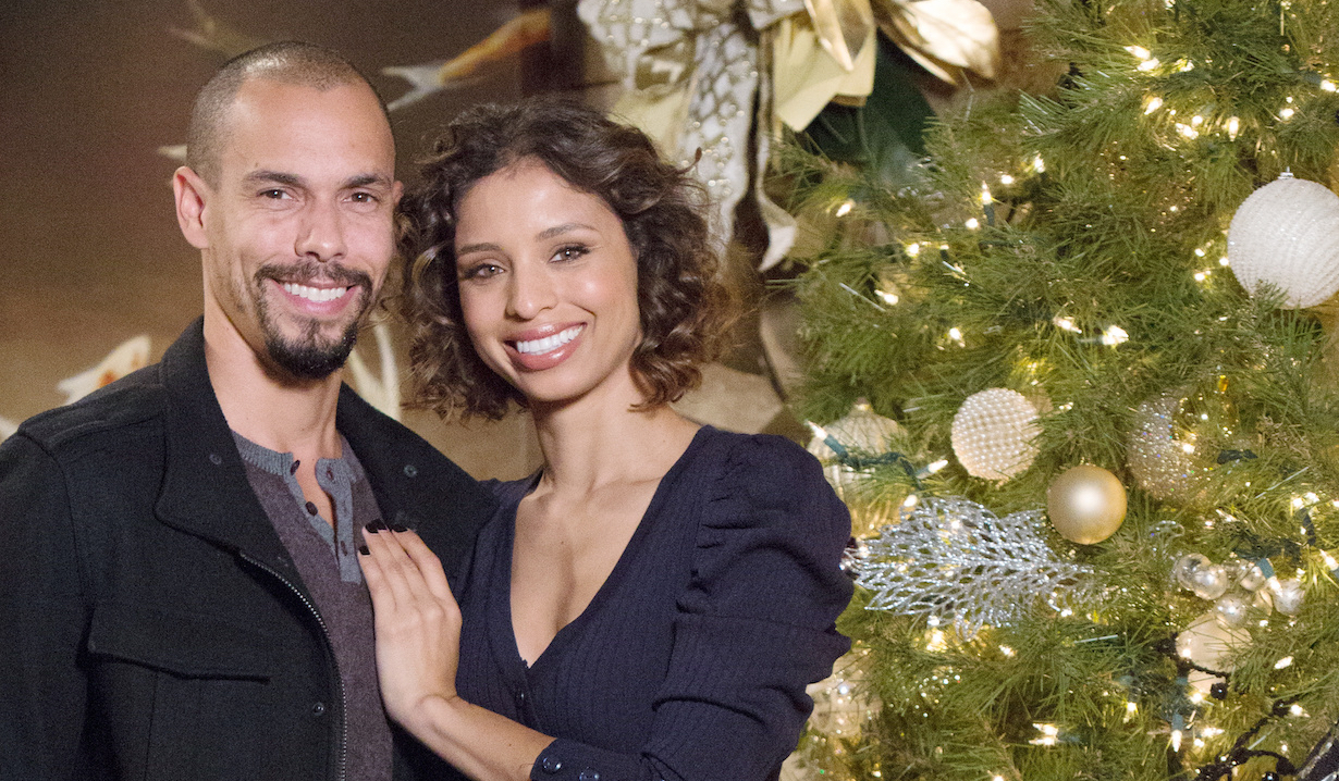 Devon and Elena celebrate Christmas on Young and the Restless