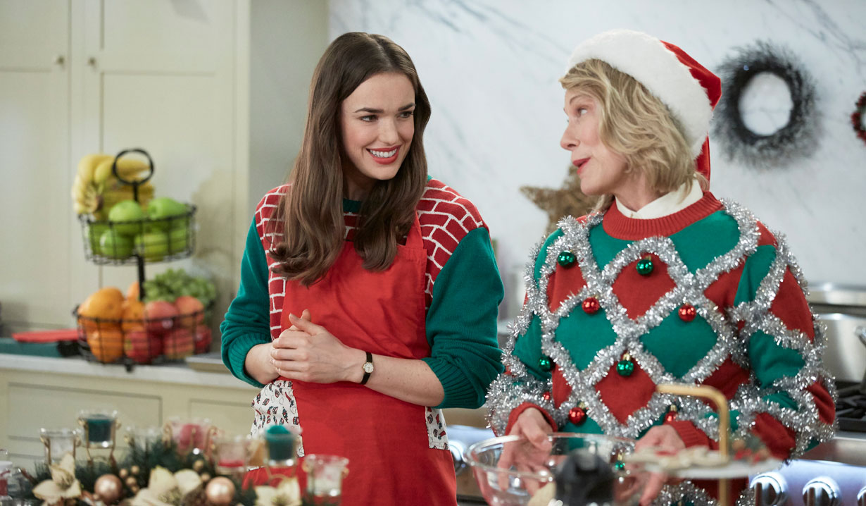 Baking cookies - a trope in Hallmark's Christmas at the Plaza
