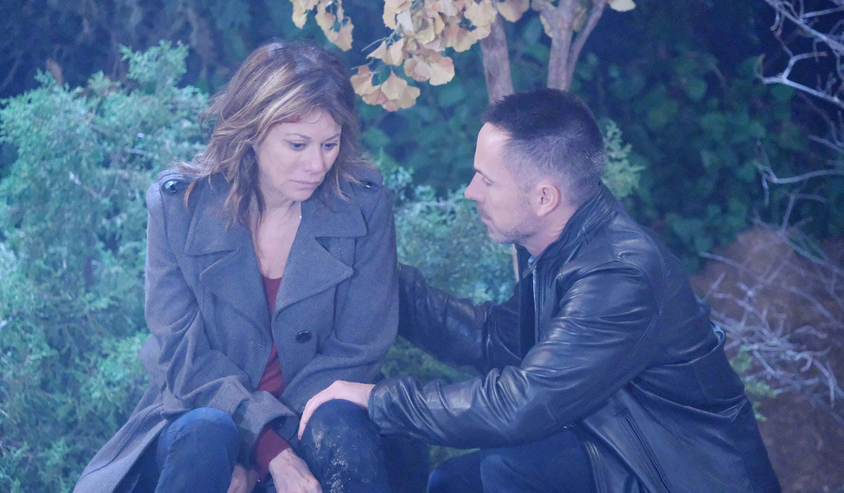 Julian tends to Alexis on General Hospital