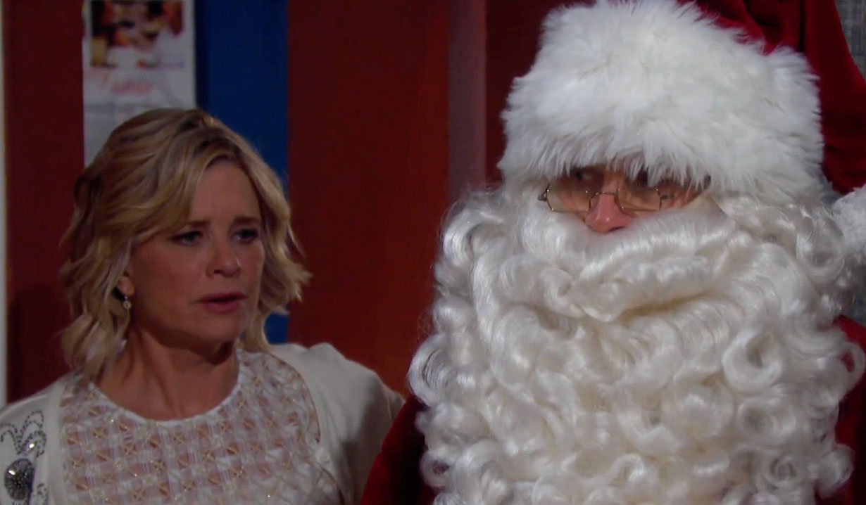 Kayla sees Steve on Christmas on Days of our Lives
