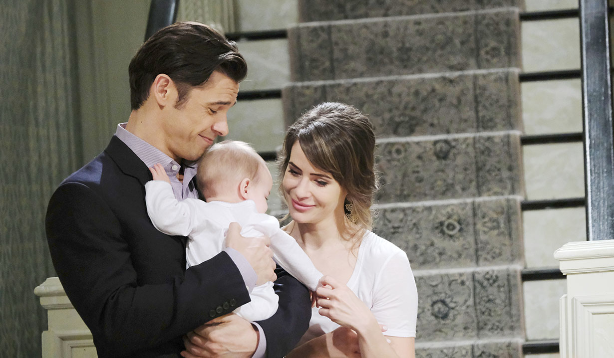Xander says goodbye to Sarah, and Mickey