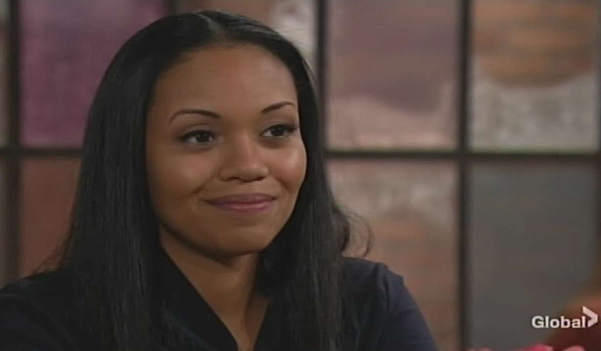 Amanda smiles at Phyllis Young and Restless