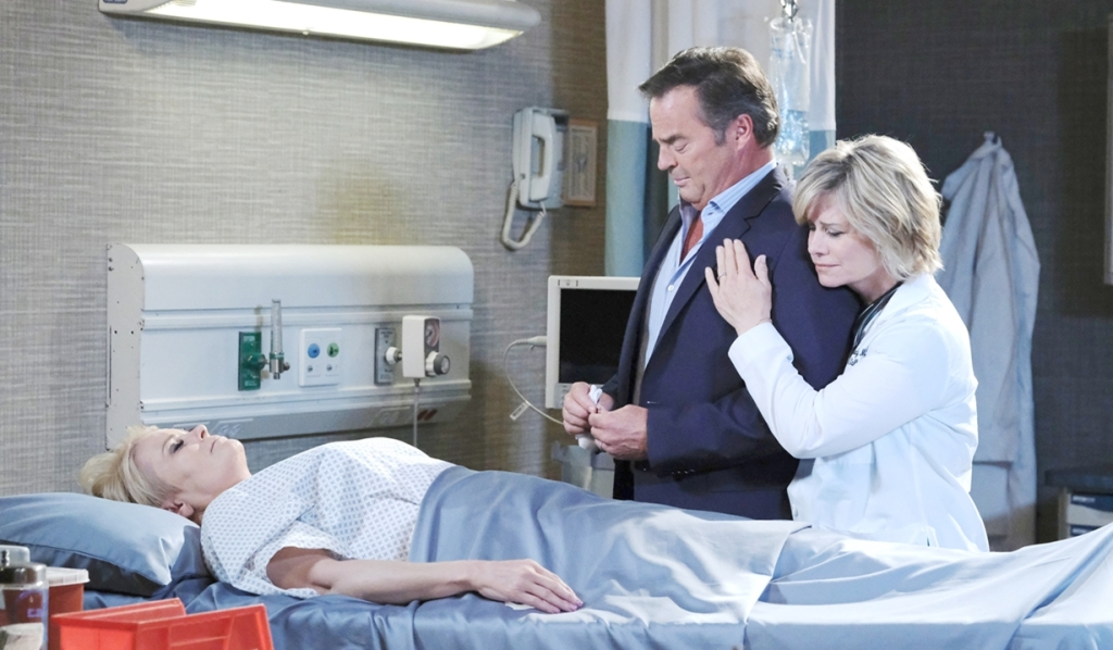 Kayla comforts Justin Days of our Lives