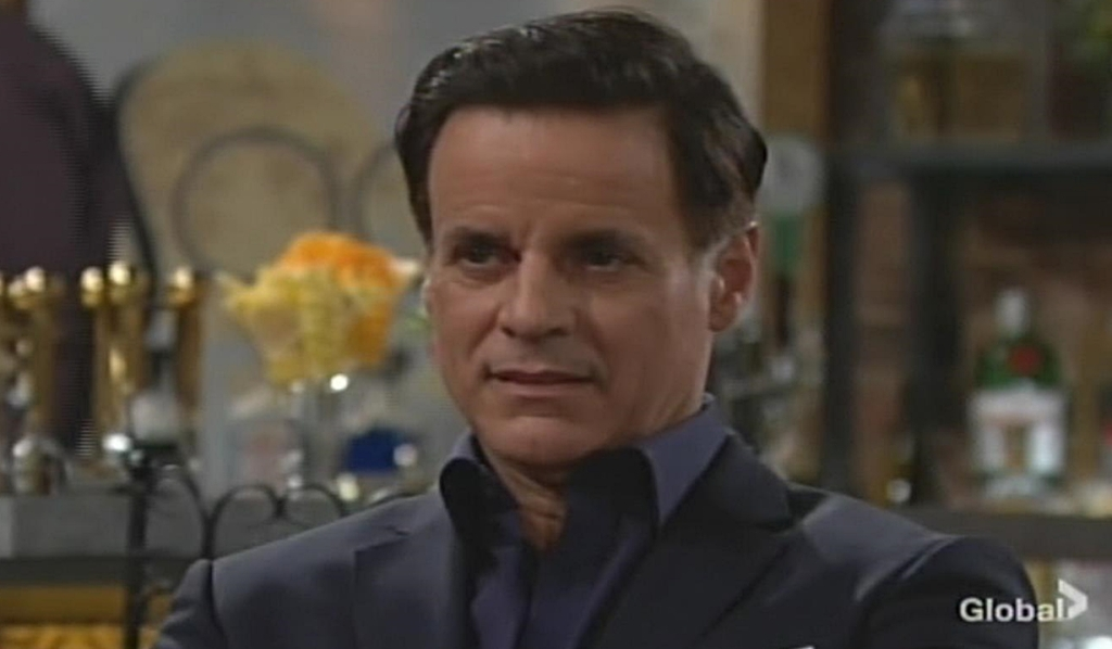 Michael reacts to Fen's news Young and Restless