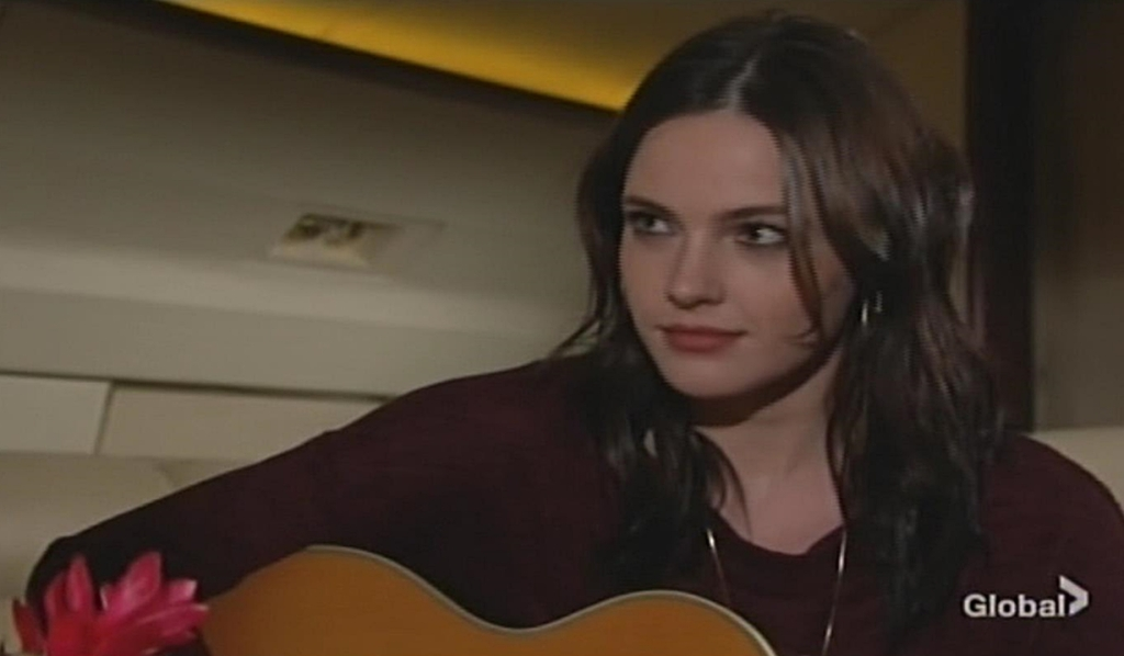 Tessa on private jet Young and Restless