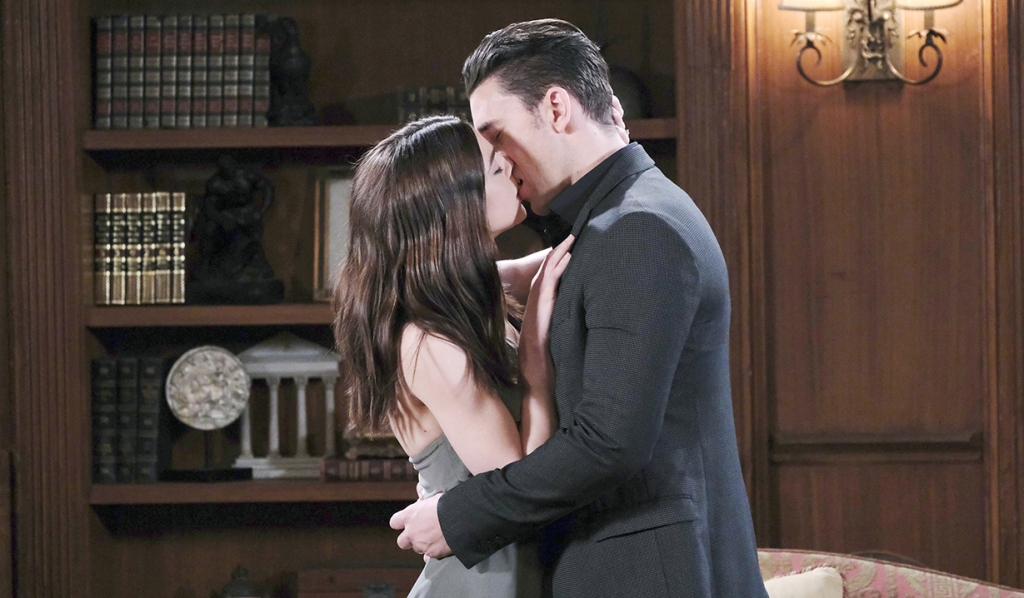 chabby kissing at home days of our lives