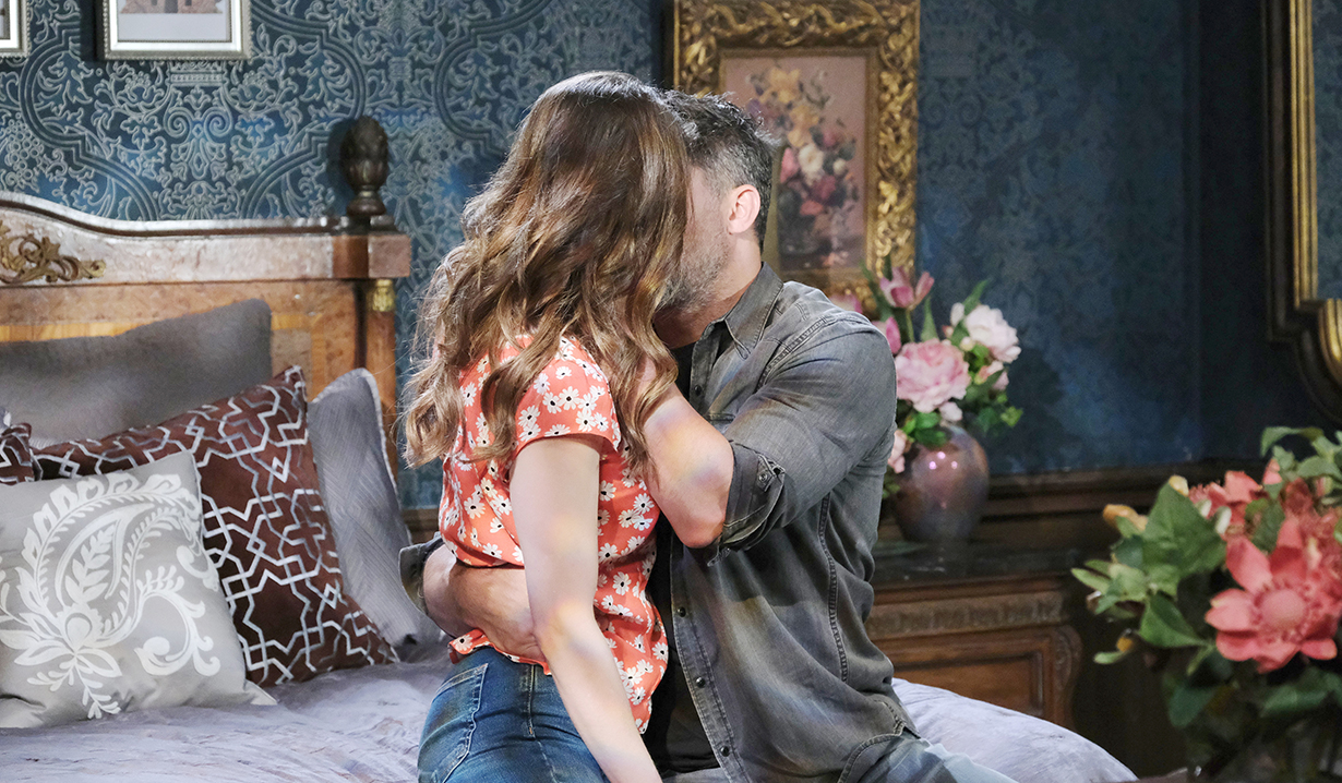 eric and sarah kiss for comfort days of our lives