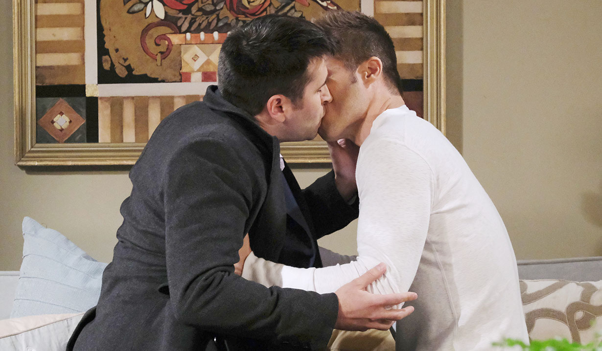 sonny and evan passionately kiss days of our lives
