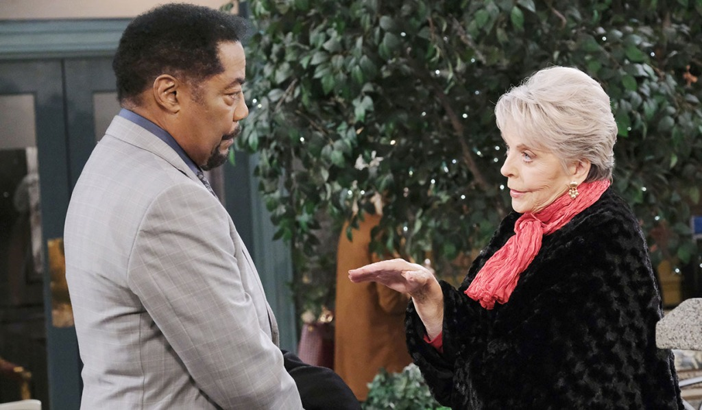 abe and julie share notes on hope and lani days of our lives