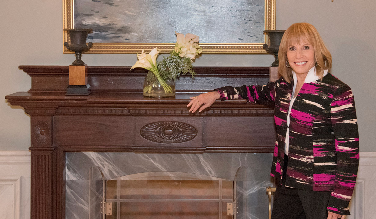 Leslie Charleson and the new fireplace on General Hospital