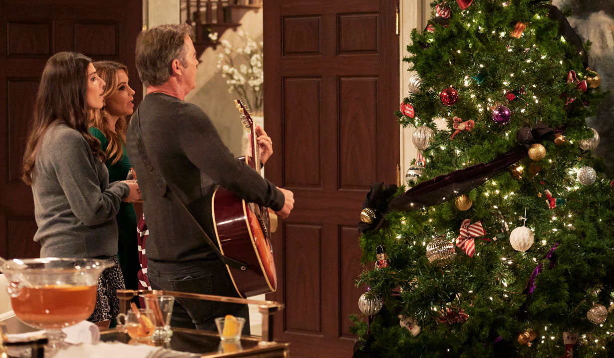 The Quartermaine Christmas Tree on General Hospital