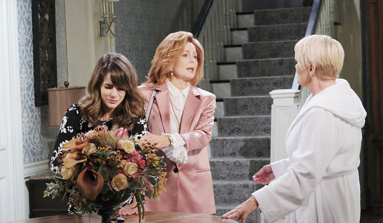 sarah goes into labor days of our lives