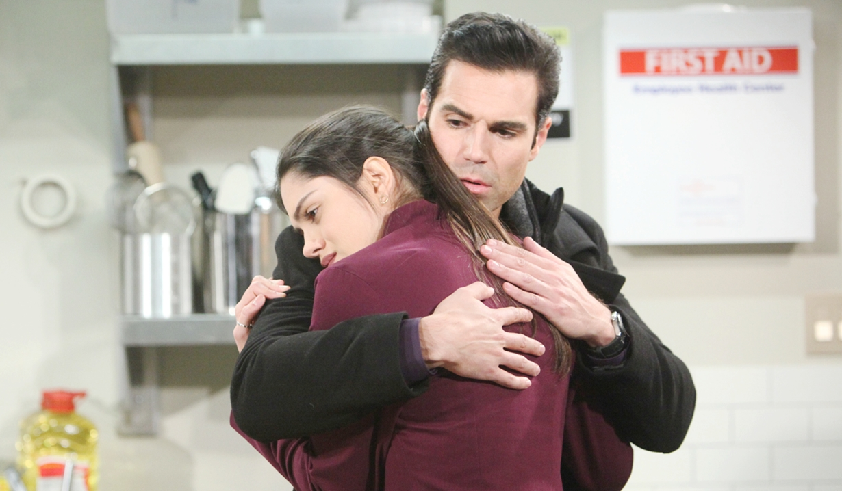 Rey holds Lola Young and Restless