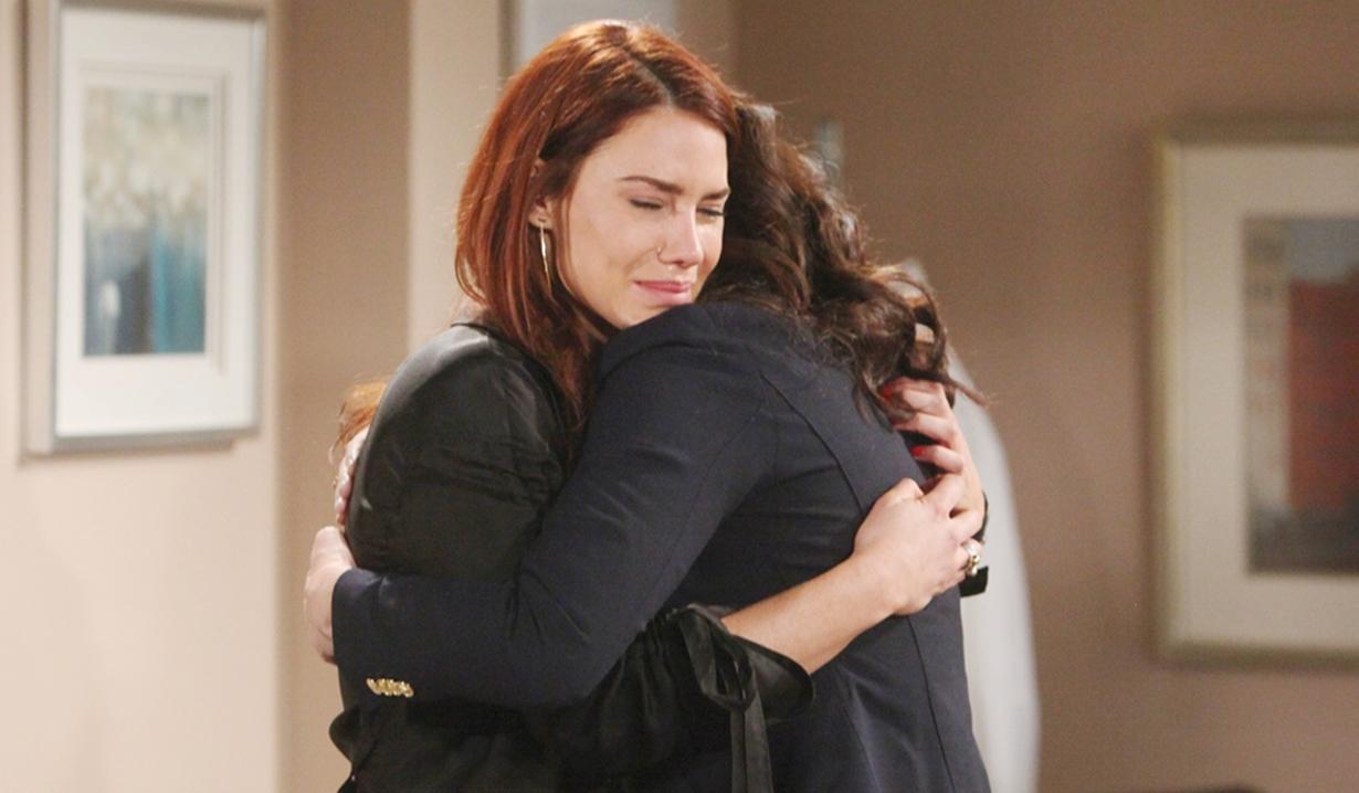 Sally embrace Katie Bold and Beautiful