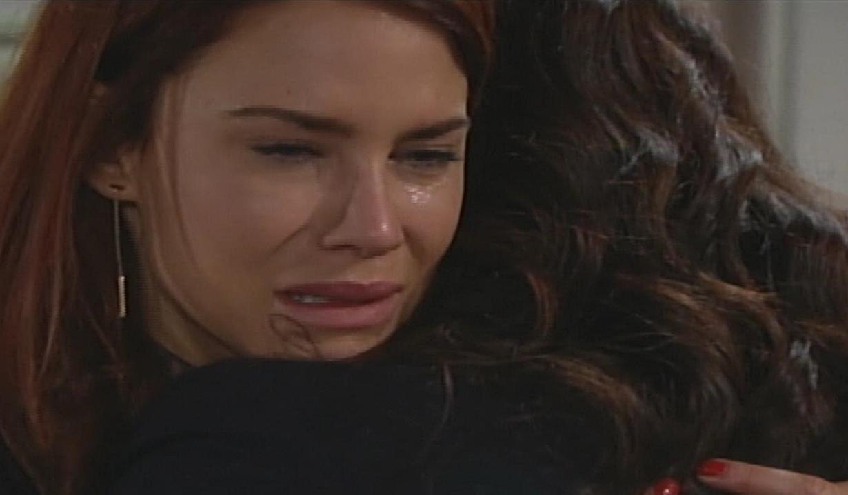 Sally piange su Katie Bold e Beautiful