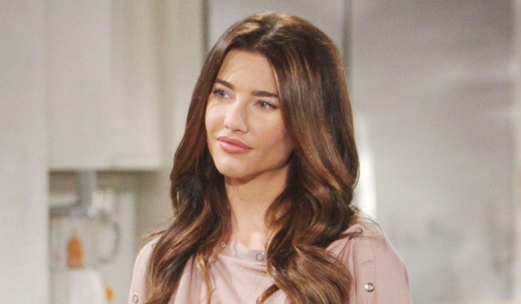 Steffy smiles at Liam Bold and Beautiful